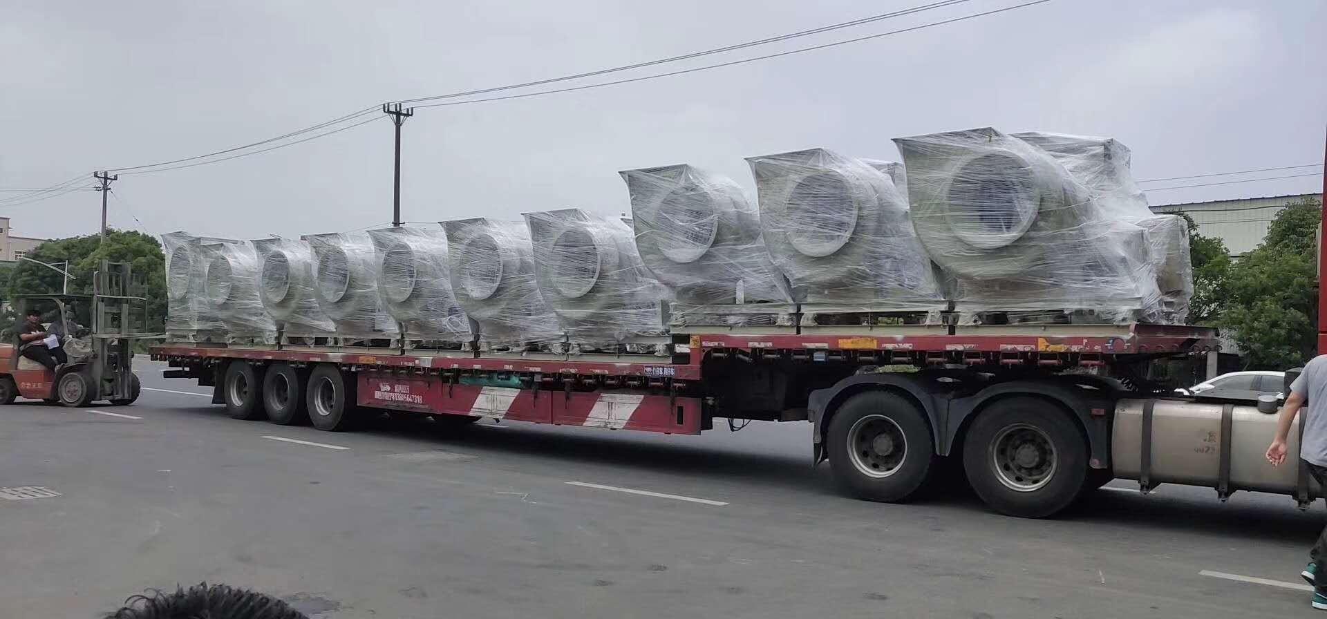 苏州顶裕34台玻璃钢离心爱博体育登录发往重庆实验室行业